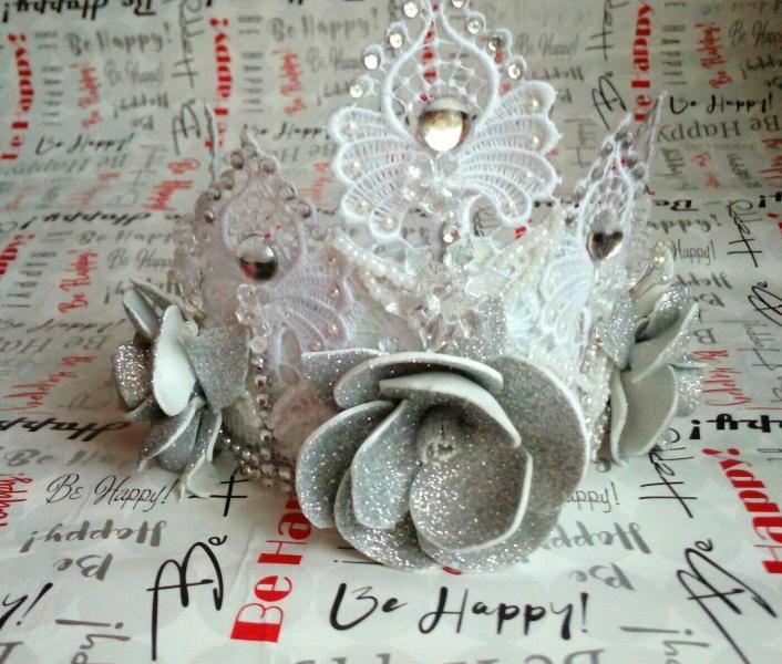 Фото Готовые изделия хенд мейд, Новогодние игрушки,короны ,снежинки Корона розы глитер