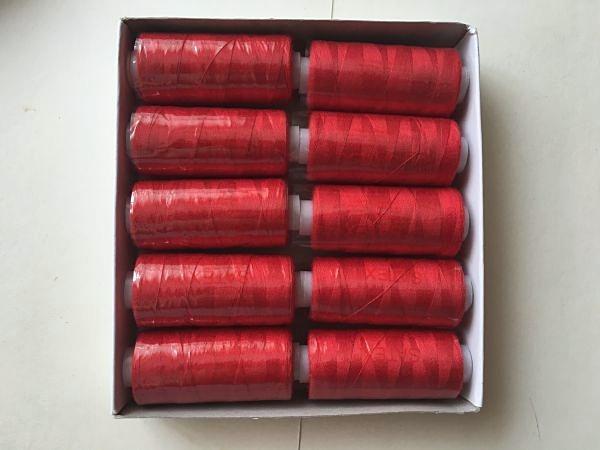 Фото Инструменты ,  крепёжные  материалы ,  клей  и  нитки. Нитка   SATEX  , цвет  Красный ,   катушка  -  370 м.  ( 400  ярдов )