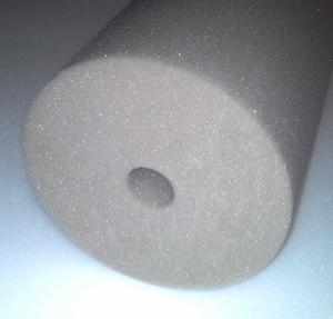 Фото Поролон, синтепон, синтепух (холлофайбер), Поролоновые валики, кубики. Поролоновый валик 15х60см с круглым отверстием  D=20мм