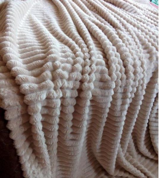Плед шарпей бежевый            размер: 200х220 см