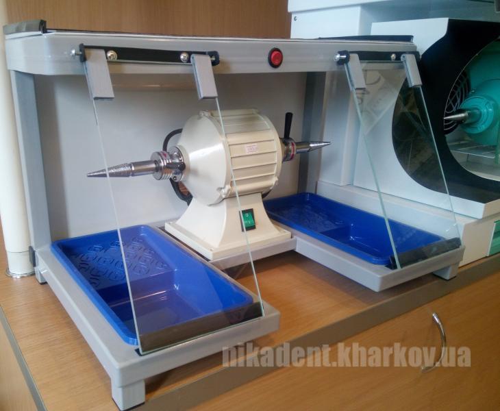 Фото Для зуботехнических лабораторий, ОБОРУДОВАНИЕ Бокс для шлифмотора зуботехнический.