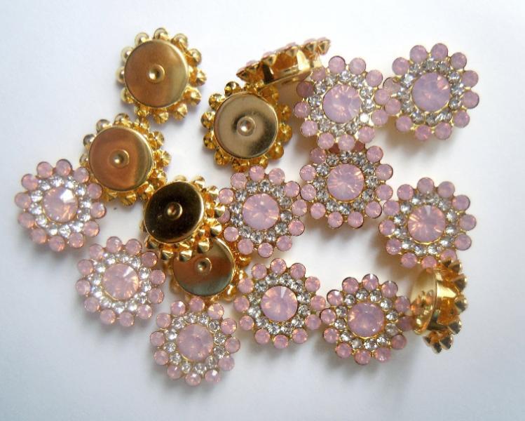 Фото Новинки Серединка 14 мм. Металическая пришивная основа золотого цвета с нежно - Розовыми стразиками.