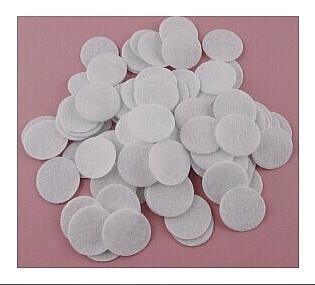 Фото Фетр и фетровые кружочки Кружочки  фетровые  2,5 см.  Белого  цвета , толщина 1 мм.  Упаковка  50 шт.