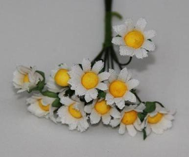 Фото Цветы искусственные, Цветы тканевые Цветок  полевой  ромашки  2,5 см. тканевый.  Белого  цвета. на  проволочке  7 см.  Упаковка 10 цветочков.