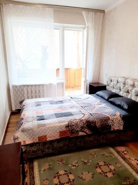 Фото  47 Аренда Ялта: 3 комнатные   апартаменты с лоджиями Ленингадская с Набережной