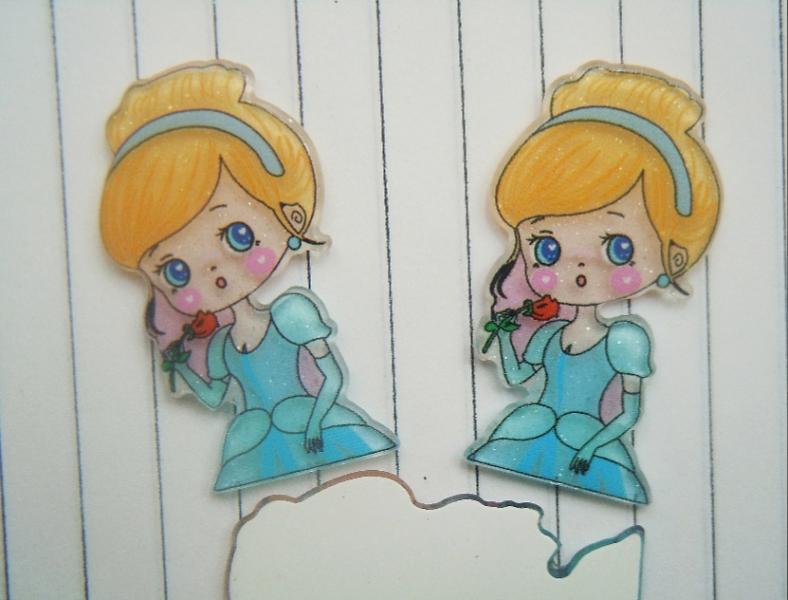 Фото Серединки ,кабашоны, Кабашоны детские мультики Пластиковая серединка 37 * 21 мм с акриловым блестящим покрытием , Золушка .