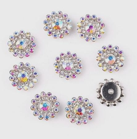 Фото Серединки ,кабашоны, Серединки с жемчугом и стразами Серединка 14 мм. Металическая пришивная основа Серебряного цвета с Радужными стразиками.