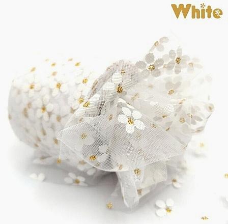Фото Новинки Фатин тонкий , мягкий . Ширина 6 см.  Белого цвета в белых ромашках .