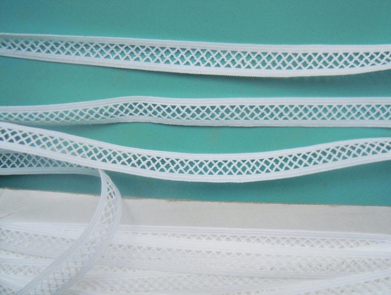 Фото Новинки Отделочная  стрейчевая  резиночка .  Ширина 13,5 мм.  Белого  цвета .