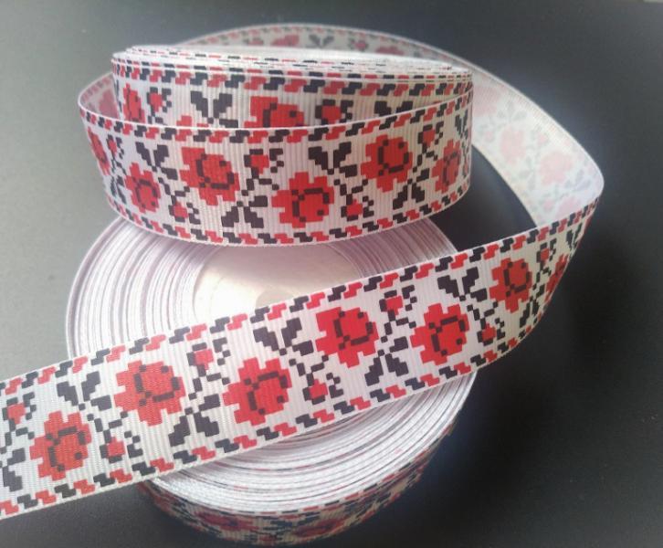 Фото Ленты, Лента репсовая с рисунком Репсовая лента 2,5 см. Белого цвета с орнаментом Роза .