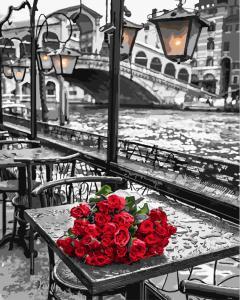 Фото Картины на холсте по номерам, Картины  в пакете (без коробки) 50х40см; 40х40см; 40х30см, Цветы, букеты, натюрморты Картина по номерам без коробки Paintboy Розы под дождем 40х50см (GX 9754)