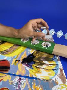 Фото Картины на холсте по номерам, Аксессуары, багеты (рамки), мольберты H777 Хендхолдер деревянный (подставка под руку для рисования)