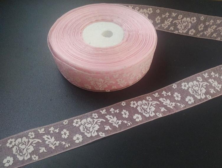 Фото Новинки Лента  Органзовая  2,5 см.  Светло - Розового   цвета  в  белых  цветочках  .