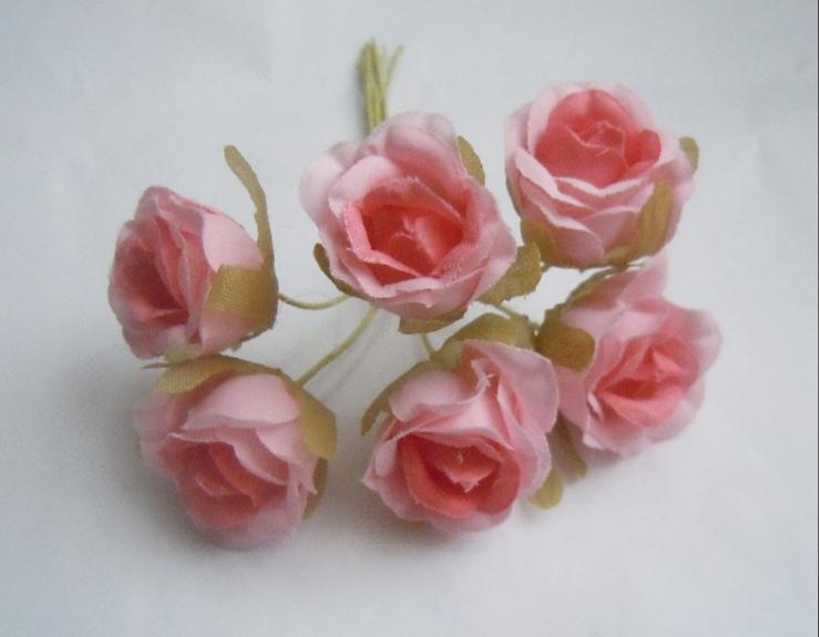 Фото Цветы искусственные, Цветы тканевые Розочка  тканевая ( бутон 2,7 * 2 см )  светло - розовая  с  коралловой  срединкой  на проволочке 10,5 см. Упаковка 6 шт.