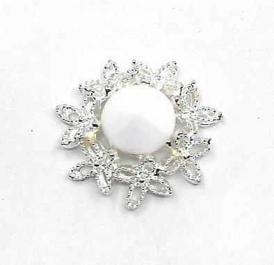 Фото Серединки ,кабашоны, Серединки с жемчугом и стразами Серединка  23 мм.  Металическая  основа  под  белое  серебро  с  Белым  матовым    камешком .